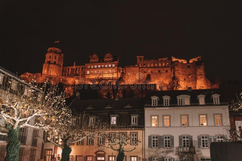 Vue de nuit sur le château d'Heidelberg photo stock