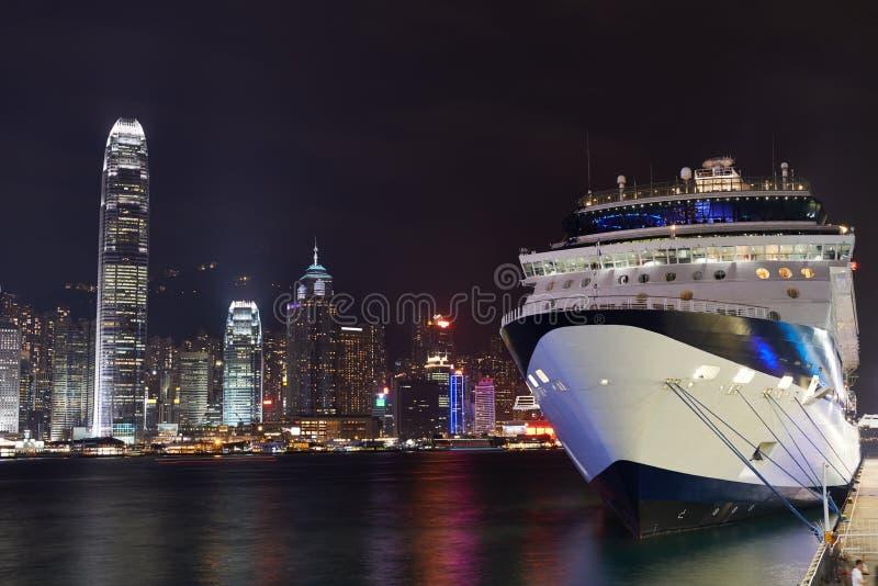 Vue de nuit sur le revêtement de port de Hong Kong photos libres de droits
