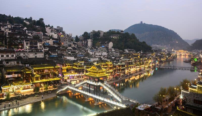 Vue de nuit de vieille ville de Fenghuang photos libres de droits