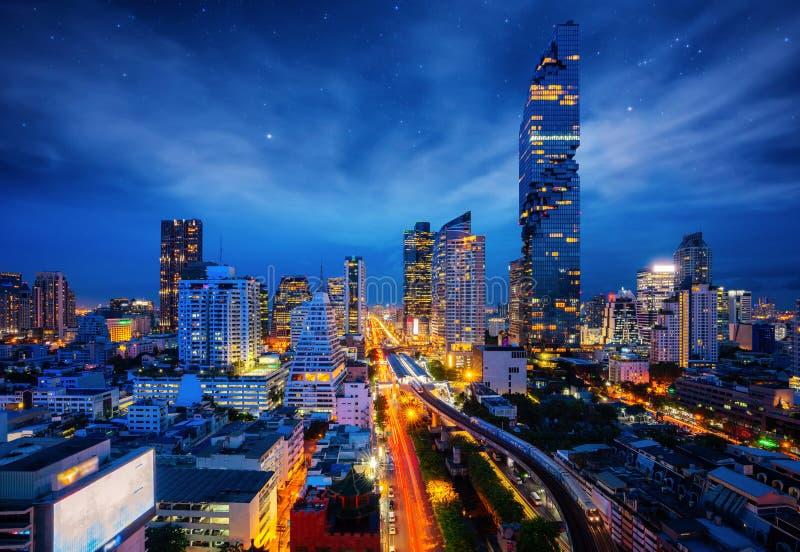 Vue de nuit de ville de Bangkok de centre d'affaires de Silom photo libre de droits