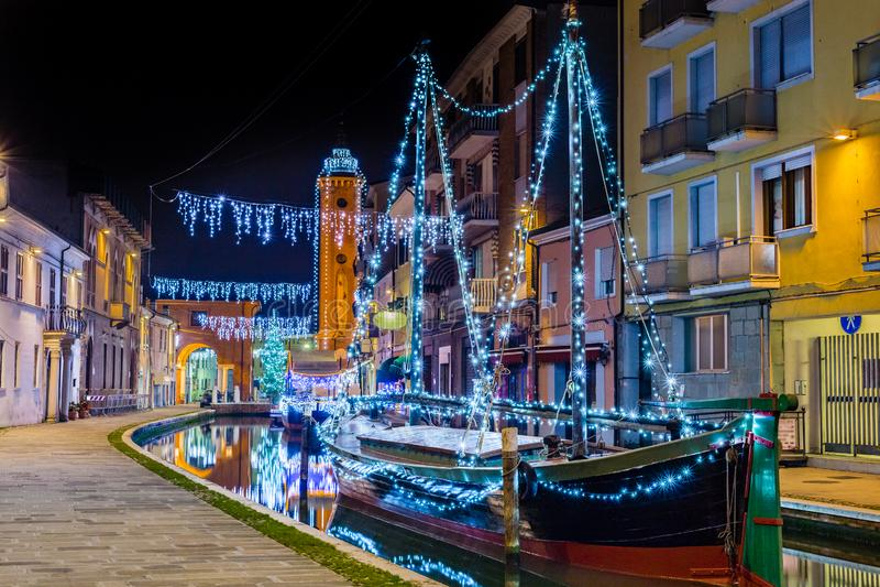 Vue de nuit de ville de lagune photos libres de droits