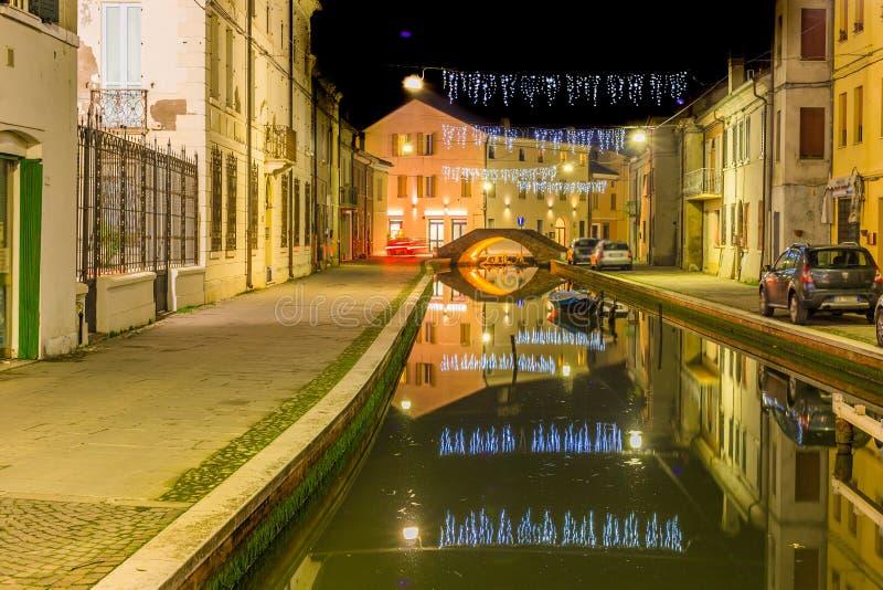 Vue de nuit de ville de lagune images stock