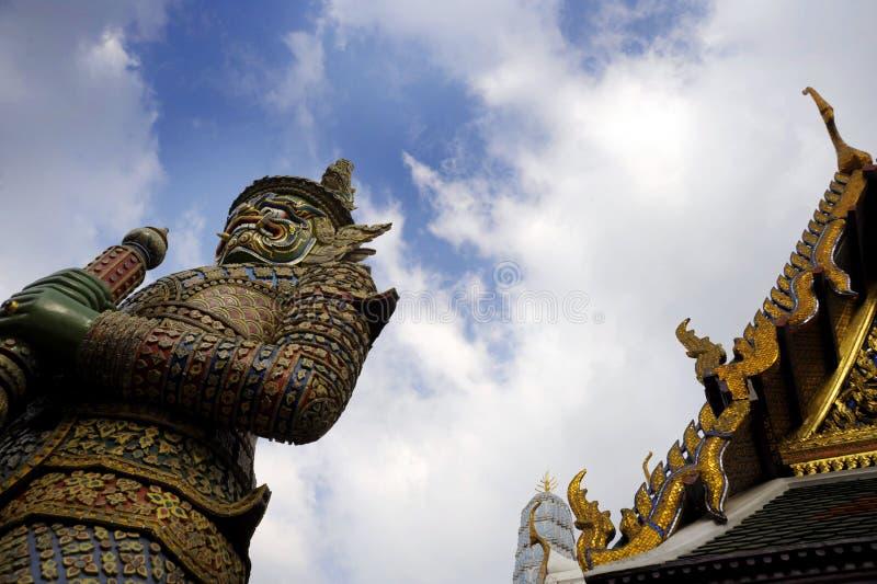 Vue de palais grand de religion de temple de wat de prakaew célèbre de phra à Bangkok Thaïlande images stock