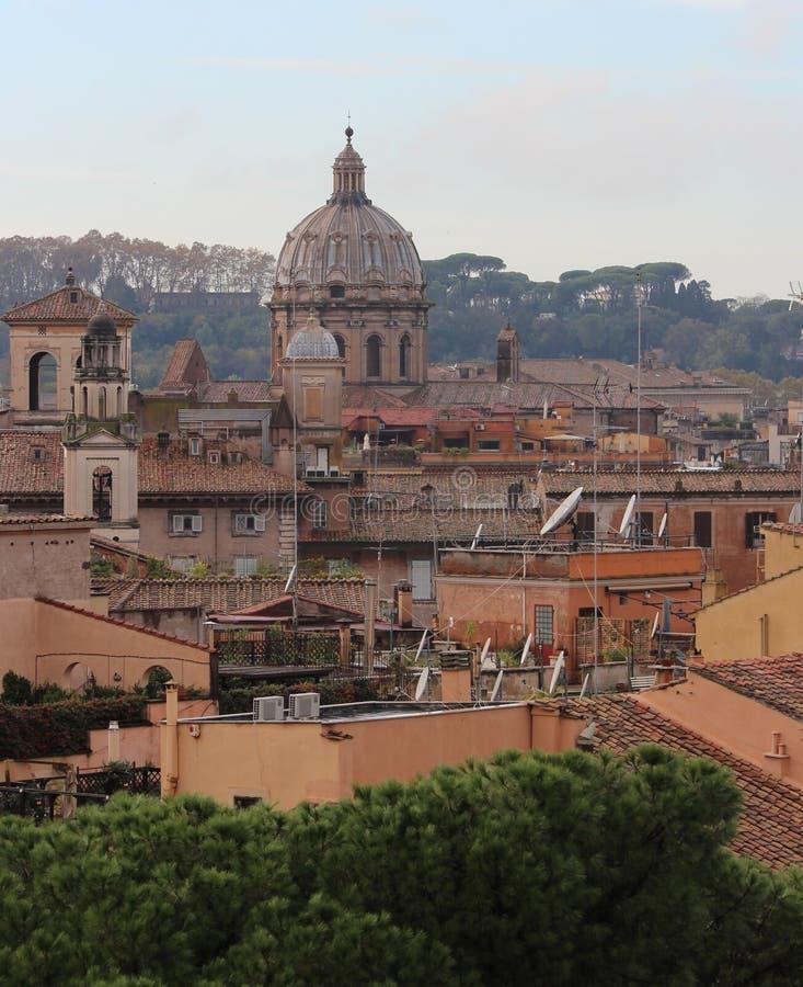 Vue de panorama au-dessus de Rome photos stock