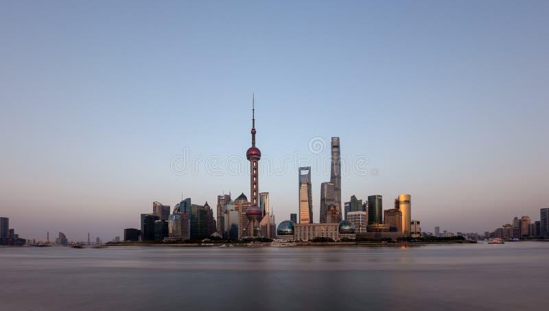 Vue de panorama de l'horizon de coucher du soleil de la digue, Pudong, Changhaï images libres de droits
