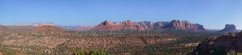 Vue de Panorma de crête au-dessus de paysage sec rouge de désert de l'Arizona images libres de droits