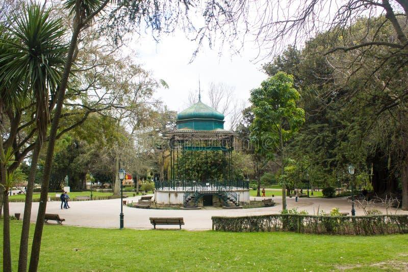 Vue de Parcial de parc d'Estrela, avec son kiosque à musique iconique, Lisbonne, Portugal images stock