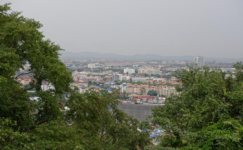 Vue de Pattaya avec la colline de Prayai thailand photographie stock libre de droits