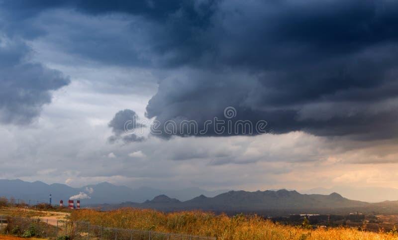 Vue de paysage de centrale de l'électricité photo libre de droits
