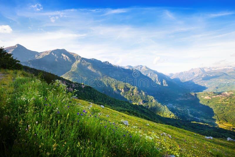 Vue de paysage de montagnes Huesca image stock