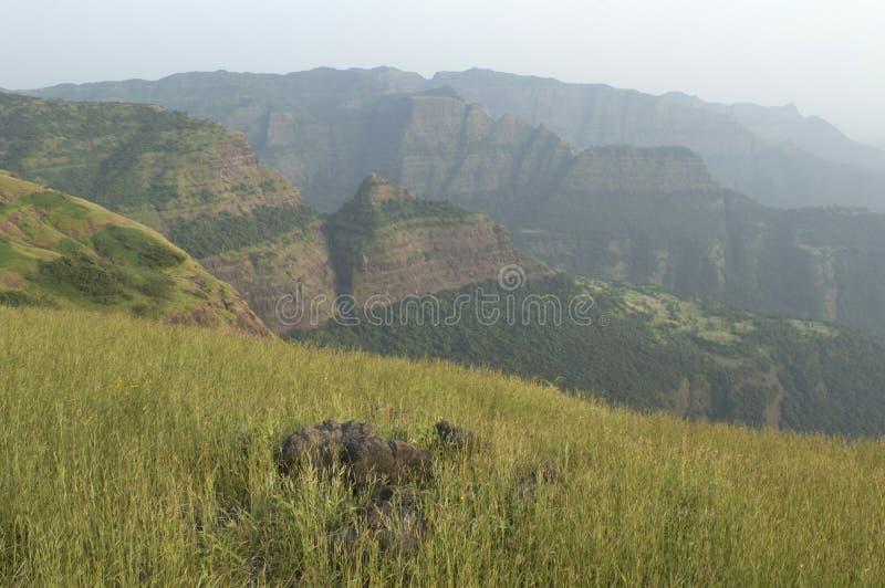Vue de paysage des belles gammes de montagne de Sahayadri de Ghats occidental photographie stock