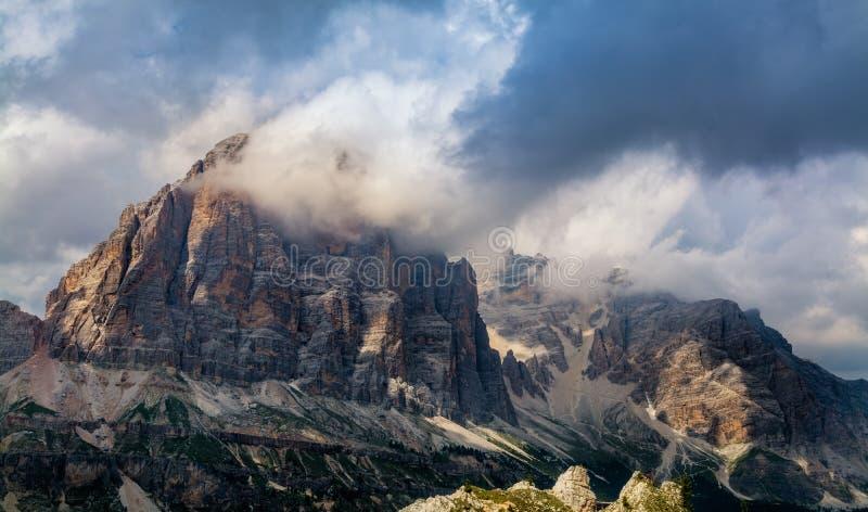 Vue de paysage du groupe dolomitique de Tofane photo libre de droits