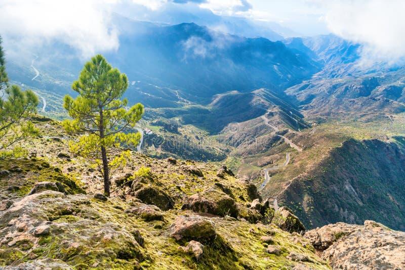 Vue de paysage de montagne d'en haut photographie stock