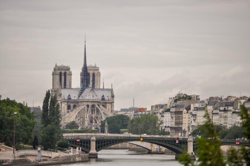 Vue de paysage Notre Dame Cathedral à Paris, France photos stock
