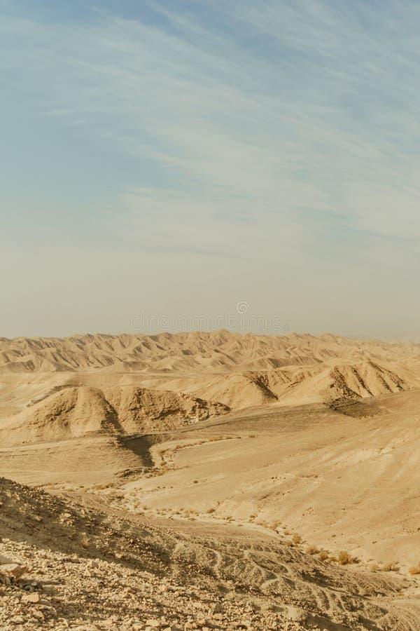 Vue de paysage de Verical sur la région sauvage sèche de Moyen-Orient en Israël image libre de droits