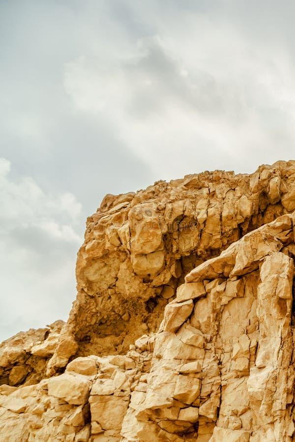 Vue de paysage de Verical sur la région sauvage sèche de Moyen-Orient en Israël image stock