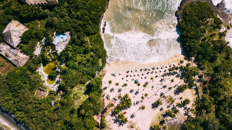 Vue de plage et d'océan ci-dessus photographie stock libre de droits
