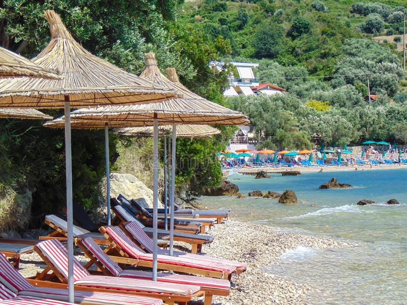 Vue de plage rocheuse, Radhime, Vlore, Albanie photo stock
