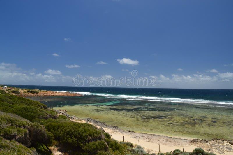 Vue de plage de Yallingup dans l'Australie de commutateur photographie stock