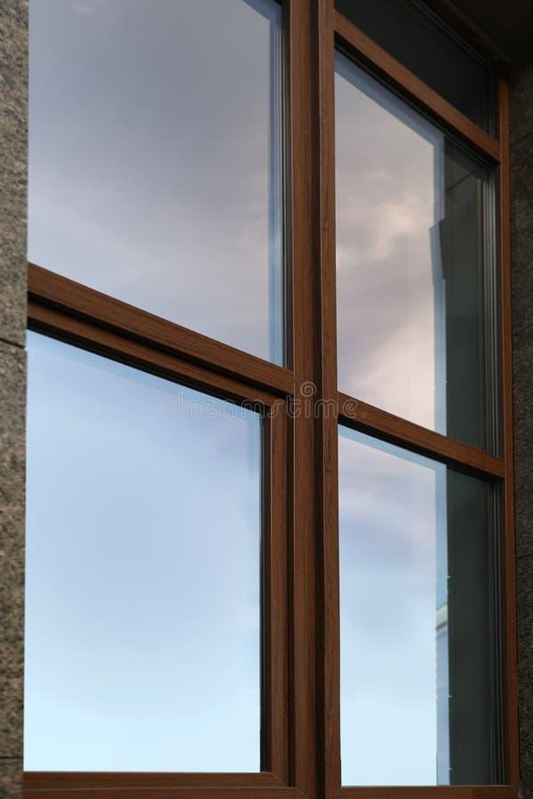 Vue de plan rapproché de fenêtre Architecture urbaine photos stock
