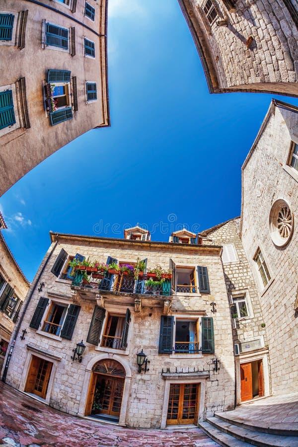 vue de Poisson-oeil de la vieille ville sur le fond de ciel photo stock