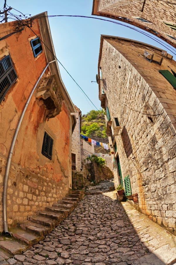 vue de Poisson-oeil de la vieille ville sur le fond de ciel photographie stock libre de droits