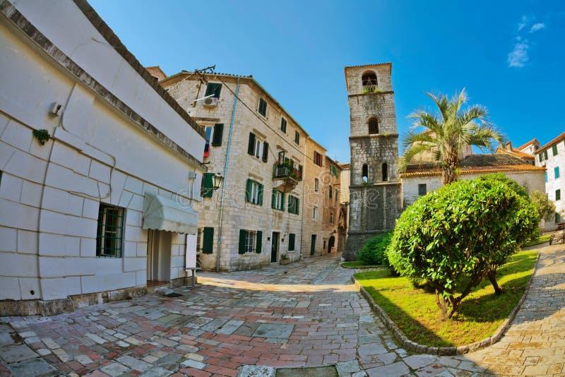 vue de Poisson-oeil de la vieille ville sur le fond de ciel images stock