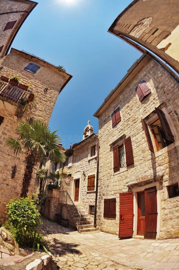 vue de Poisson-oeil de la vieille ville sur le fond de ciel photo libre de droits