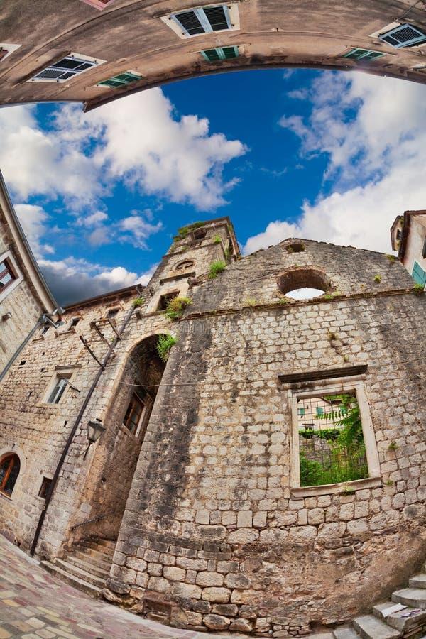 vue de Poisson-oeil de la vieille ville sur le fond de ciel photographie stock
