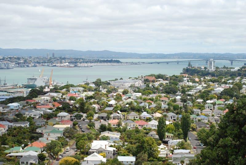 Vue de pont de port dans Devonport, Nouvelle-Zélande photographie stock