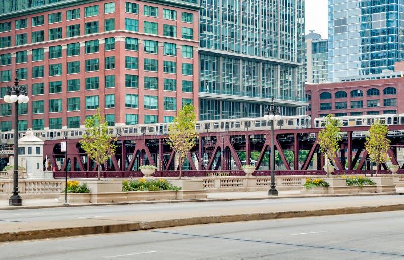 Vue de pont en rue de Wells Chicago, Etats-Unis photo libre de droits