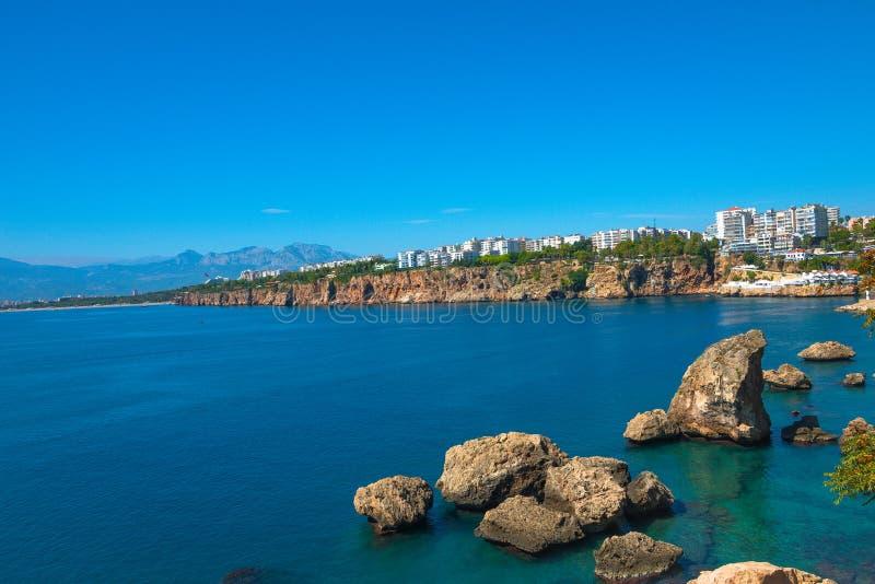 Vue de port d'Antalya, de mer Méditerranée et de littoral, Antalya images stock