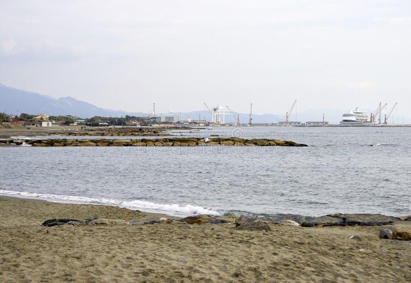 vue de port de Carrare de Di de marina photographie stock