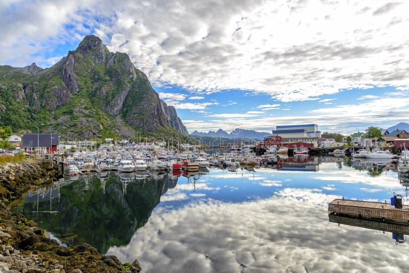 Download Vue De Port De Svolvaer, Norvège Image stock - Image du jour, pêche: 77158533