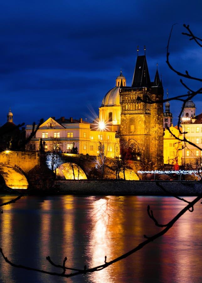 Vue de Prague d'île de Kampa par nuit photo libre de droits