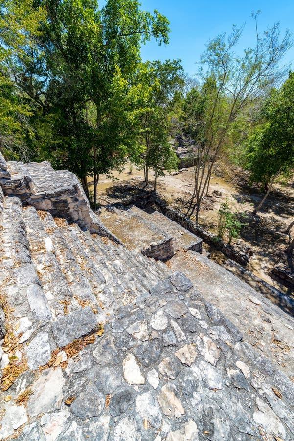 Vue de pyramide maya images libres de droits