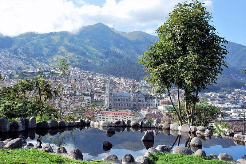 Vue de Quito du parc image libre de droits