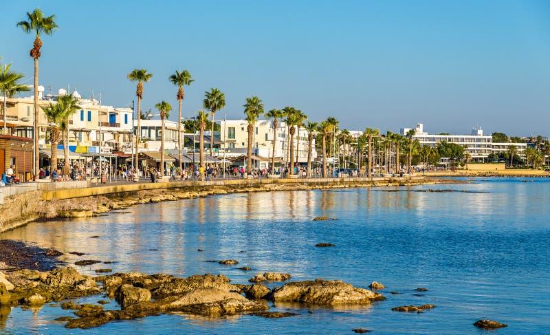 Vue de remblai au port de Paphos photo stock