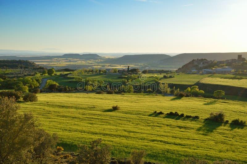 Vue de ressort de l'Espagnol tout simplement avec des collines images libres de droits