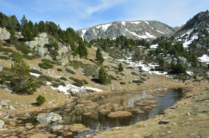Vue de ressort de la vallée de Madriu-Perafita-Claror photographie stock libre de droits