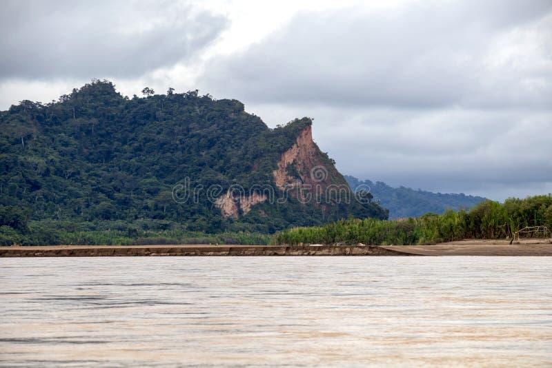 Vue de rivière de Beni et de forêt tropicale de parc national de Madidi dans le bassin supérieur du fleuve Amazone en Bolivie, Am image stock