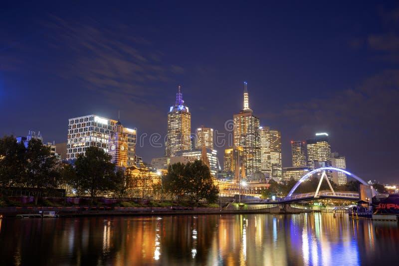 Vue de rivière de Yarra et d'horizon de Melbourne de princes Bridge, I image libre de droits