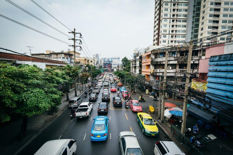 Download Vue De Route De Ratchaprarop, à Bangkok, La Thaïlande Photo éditorial - Image du véhicules, scénique: 76087521