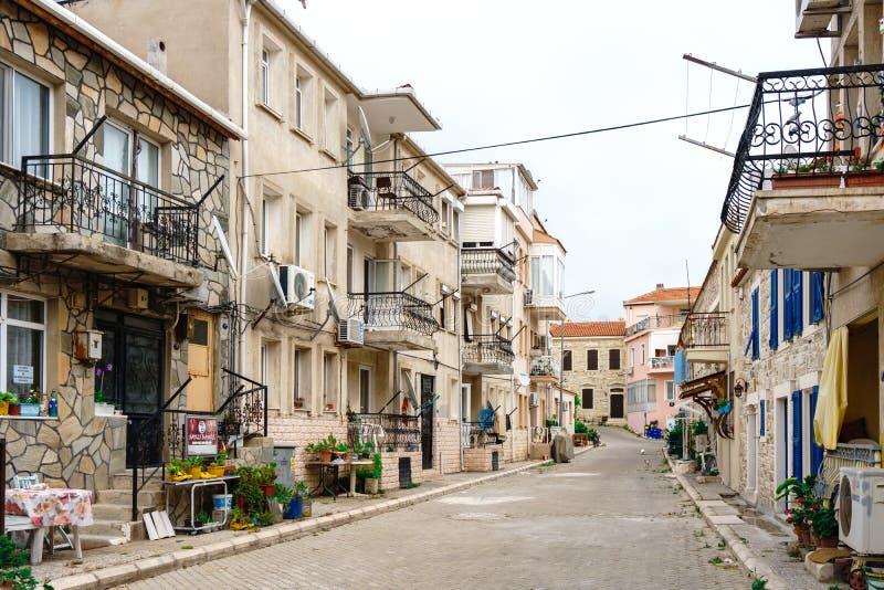 Vue de rue à la FOCA Izmir images libres de droits