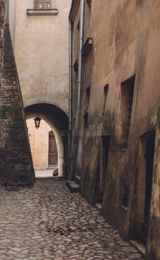 Vue de rue au vieux centre de Lublin, Pologne images stock