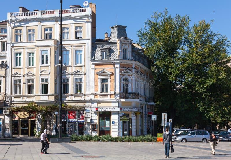 Vue de rue avec les gens du commun, Ruse image stock