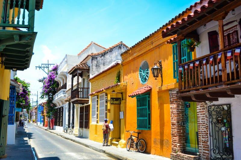 Vue de rue de Carthagène coloré en Colombie photos stock