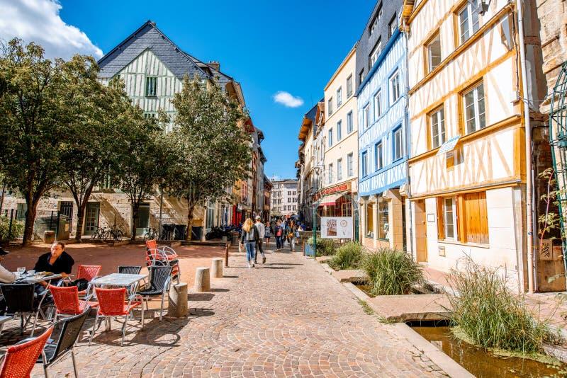 Vue de rue dans la ville de Rouen, France image stock