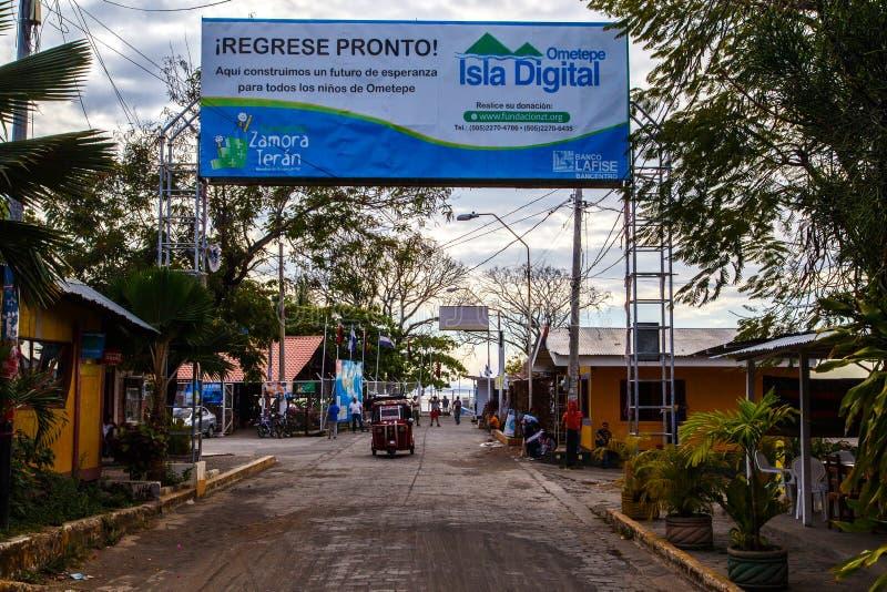 Vue de rue de Moyogalpa image stock