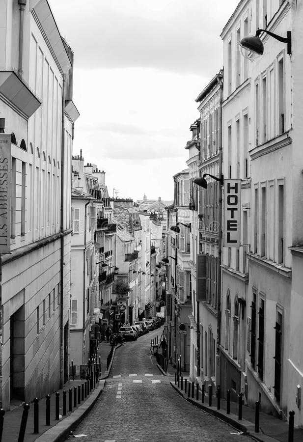 Vue de rue de Paris image stock